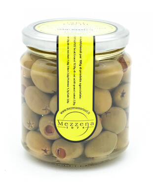 Oliven mit süßer Pfeffer