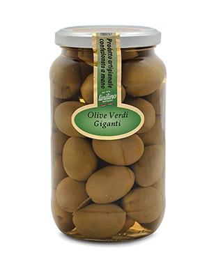 Riesige grüne Oliven